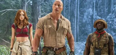 Karen Gillan, Dwayne Johnson und Kevin Hart in Jumani: The Next Level