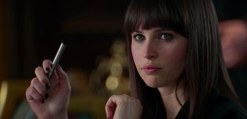 Felicity Jones als Felicia Hardy aka Black Cat in The Amazing Spider-Man 2