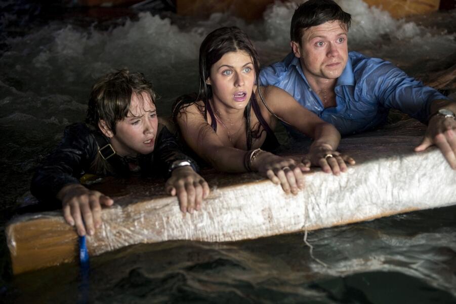 San Andreas mit Alexandra Daddario, Ioan Gruffudd und Art Parkinson