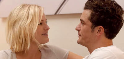 Malin Akerman und Orlando Bloom in Easy