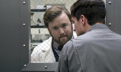 Future Man, Future Man - Staffel 1 mit Haley Joel Osment - Bild 7