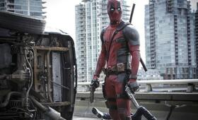 Deadpool mit Ryan Reynolds - Bild 16