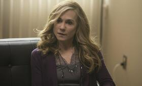 Here and Now, Here and Now - Staffel 1 mit Holly Hunter - Bild 5