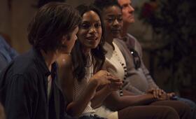 Krystal mit Rosario Dawson und Nick Robinson - Bild 21