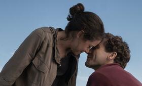 Stronger mit Jake Gyllenhaal und Tatiana Maslany - Bild 94