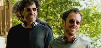 Bild zu:  Joel & Ethan Coen am Set von A Serious Man
