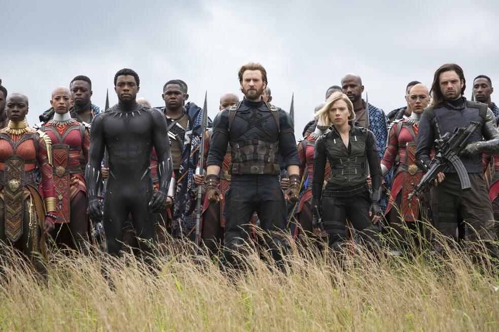 Avengers 3: Infinity War mit Scarlett Johansson, Chris Evans, Sebastian Stan, Danai Gurira und Chadwick Boseman