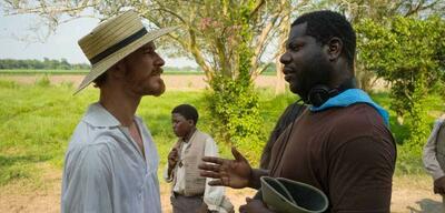 Steve McQueen am Set von 12 Years a Slave
