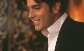 Ewan McGregor in Moulin Rouge - Bild 217