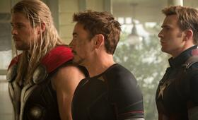 Marvel's The Avengers 2: Age of Ultron mit Robert Downey Jr., Chris Hemsworth und Chris Evans - Bild 44