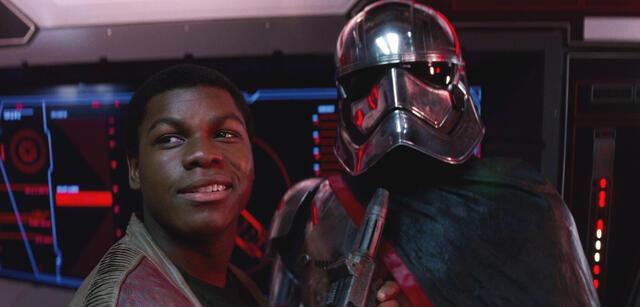 Finn und Phasma in Star Wars