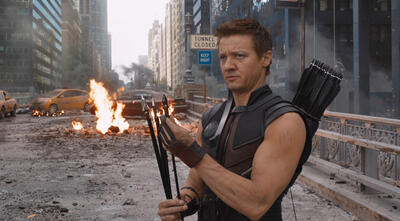 Jeremy Renner als Hawkeye bei den Avengers