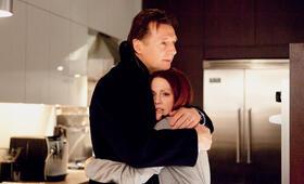 Chloe mit Liam Neeson und Julianne Moore - Bild 167
