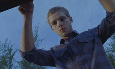House at the End of the Street mit Max Thieriot - Bild 9
