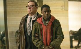 Captive State mit John Goodman und Ashton Sanders - Bild 24
