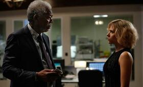 Lucy mit Scarlett Johansson und Morgan Freeman - Bild 3