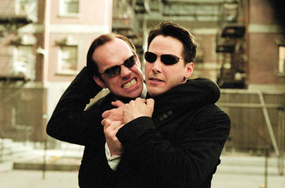 Matrix Reloaded mit Keanu Reeves und Hugo Weaving