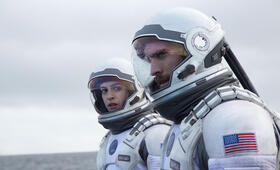 Anne Hathaway in Interstellar - Bild 126