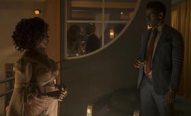 Marvel's Luke Cage - Staffel 2 mit Alfre Woodard und Mustafa Shakir - Bild 4