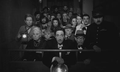 The French Dispatch mit Tilda Swinton, Adrien Brody, Henry Winkler, Bob Balaban und Lois Smith - Bild 10