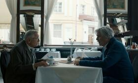 Der Dolmetscher mit Peter Simonischek und Jirí Menzel - Bild 7