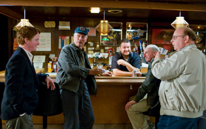 Gran Torino mit Clint Eastwood, Christopher Carley und Greg Trzaskoma