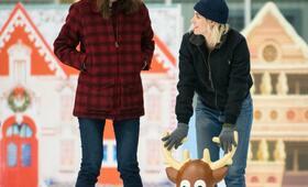 Happiest Season mit Kristen Stewart und Mackenzie Davis - Bild 4
