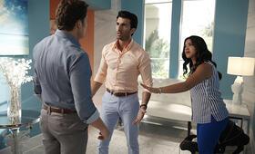Staffel 2 mit Gina Rodriguez - Bild 35