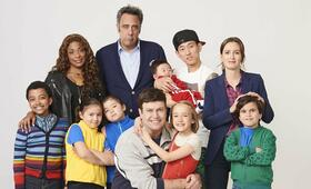 Single Parents, Single Parents - Staffel 1 mit Leighton Meester, Brad Garrett, Taran Killam, Jake Choi und Kimrie Lewis-Davis - Bild 1