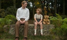 Goodbye Christopher Robin mit Domhnall Gleeson und Will Tilston - Bild 7