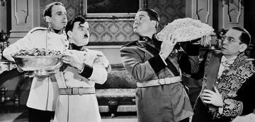 Charlie Chaplin & Jack Oakie in Der große Diktator