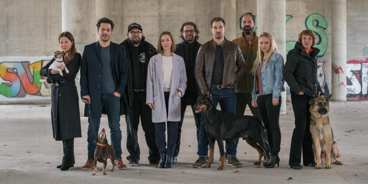 Of Deutschen Dogs Der Netflix Steht Fest Berlin Cast Serie Ee29YbDHIW