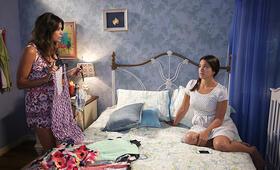 Staffel 2 mit Gina Rodriguez - Bild 26