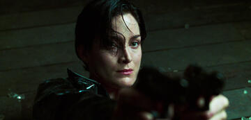 Carrie-Anne Moss als Trinity