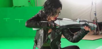 Bild zu:  Jessica Alba am Set von Sin City 2