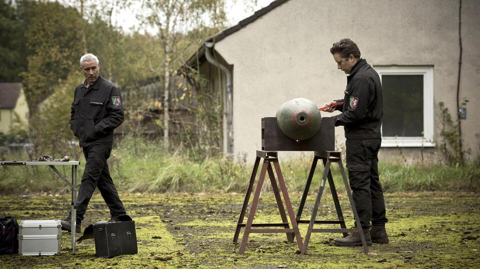 Tatort: Bombengeschäft mit Ralph Herforth und Adrian Topol
