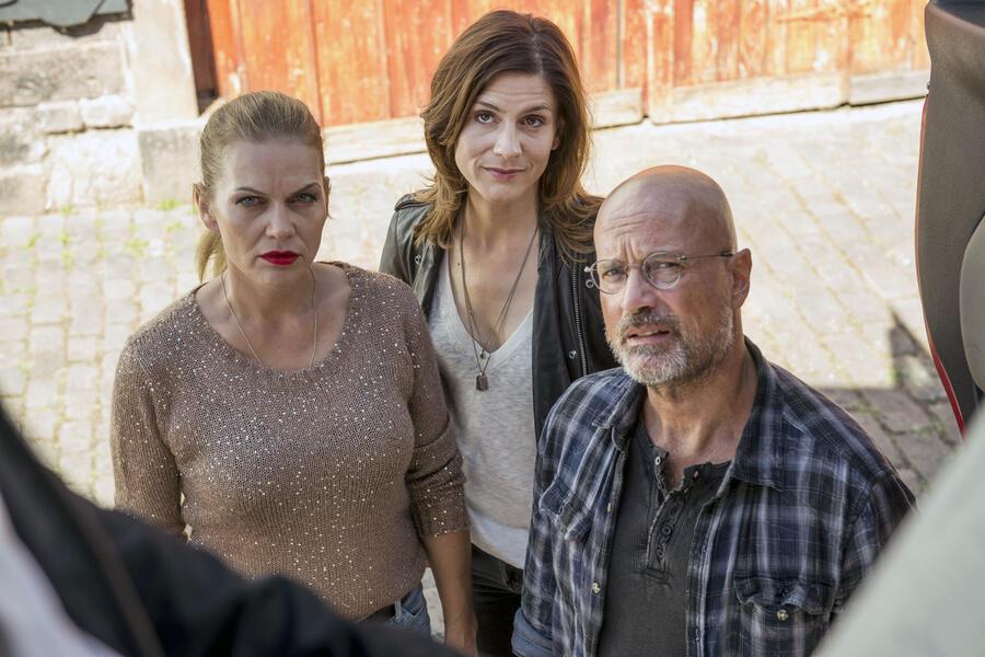 In Wahrheit – Mord am Engelsgraben mit Christian Berkel, Anna Loos und Christina Hecke