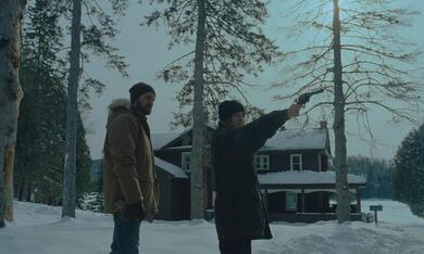 The Lodge mit Richard Armitage und Riley Keough - Bild 9