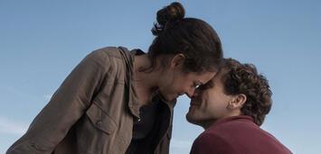 Bild zu:  Gyllenhaal und Tatiana Maslany in Stronger