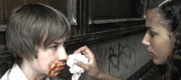 Michael Polischka lässt in Knallhart seine Wunden verarzten