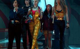 Birds of Prey: The Emancipation of Harley Quinn mit Margot Robbie, Mary Elizabeth Winstead, Rosie Perez, Jurnee Smollett-Bell und Ella Jay Basco - Bild 14