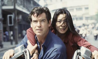 James Bond 007 - Der Morgen stirbt nie mit Pierce Brosnan und Michelle Yeoh - Bild 8