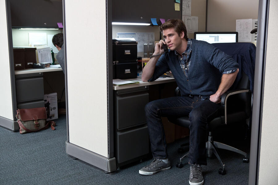 Paranoia - Riskantes Spiel mit Liam Hemsworth