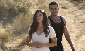 Miss Bala mit Gina Rodriguez und Ismael Cruz Cordova - Bild 8
