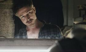 Aidan Gillen in  Beneath the Harvest Sky - Bild 33