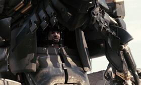 District 9 mit Sharlto Copley - Bild 11