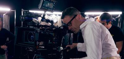 Nicolas Winding Refn am Set von The Neon Demon