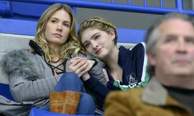 Spinning Out, Spinning Out - Staffel 1 mit January Jones - Bild 1