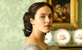 Staffel 1 mit Jessica Brown Findlay - Bild 14
