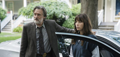 Bill Pullman und Jessica Biel in The Sinner